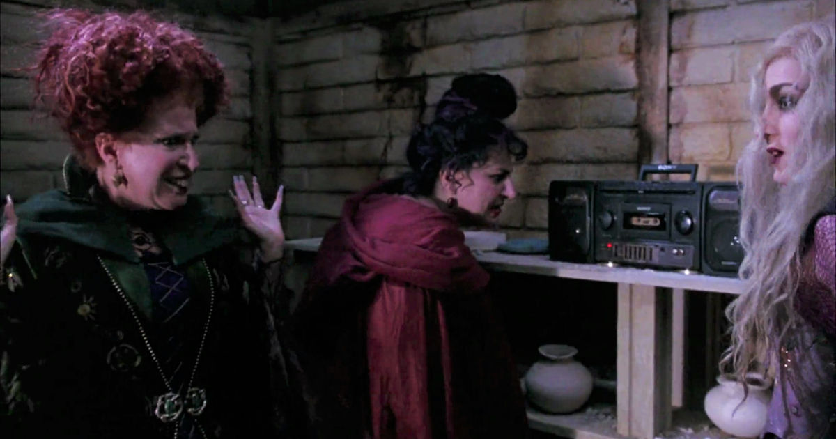 31 Nights of Halloween - 12 Times The Sanderson Sisters in Hocus Pocus Were Hilarious - 1012