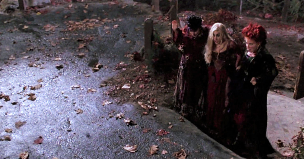 13 Nights of Halloween - 12 Times The Sanderson Sisters in Hocus Pocus Were Hilarious - 1004