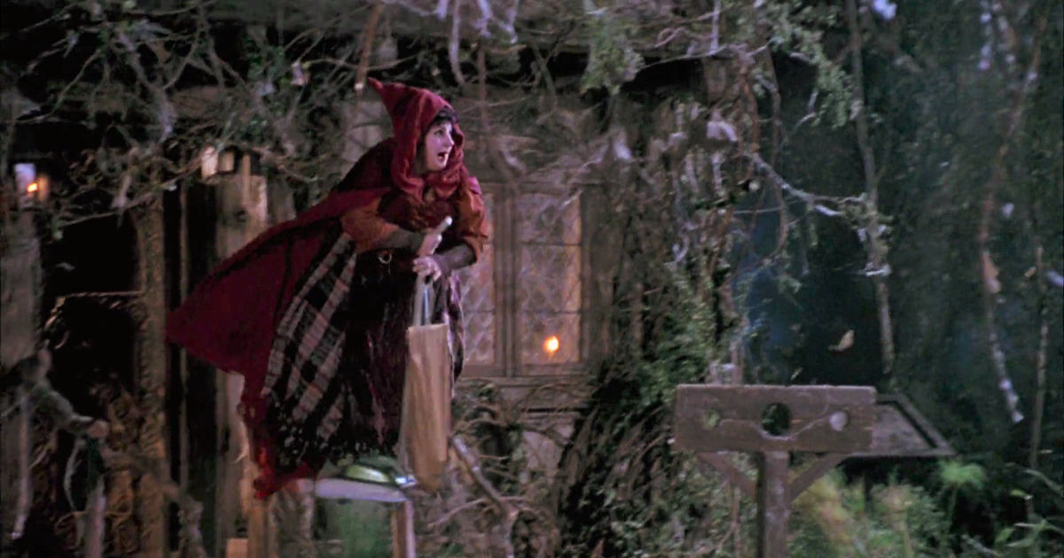 31 Nights of Halloween - 12 Times The Sanderson Sisters in Hocus Pocus Were Hilarious - 1010