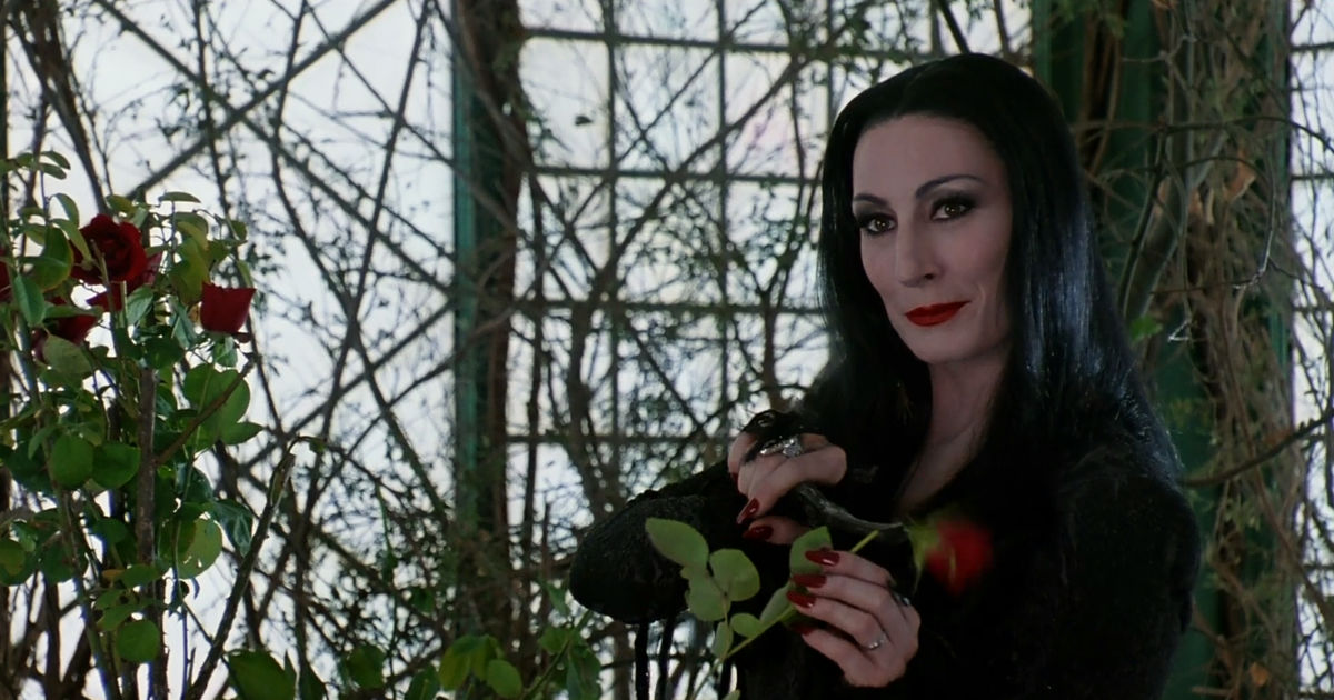 13 Nights of Halloween - 15 Reasons You Should Stay At The Addams Family Mansion - 1008