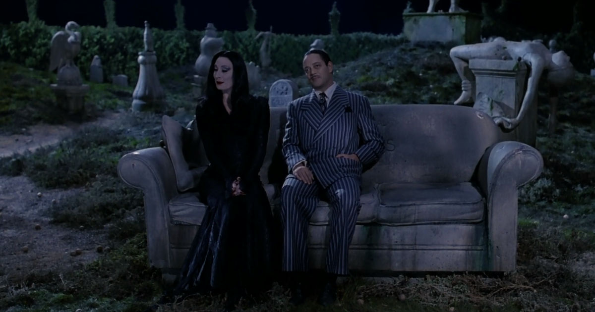 31 Nights of Halloween - 15 Reasons You Should Stay At The Addams Family Mansion - 1012