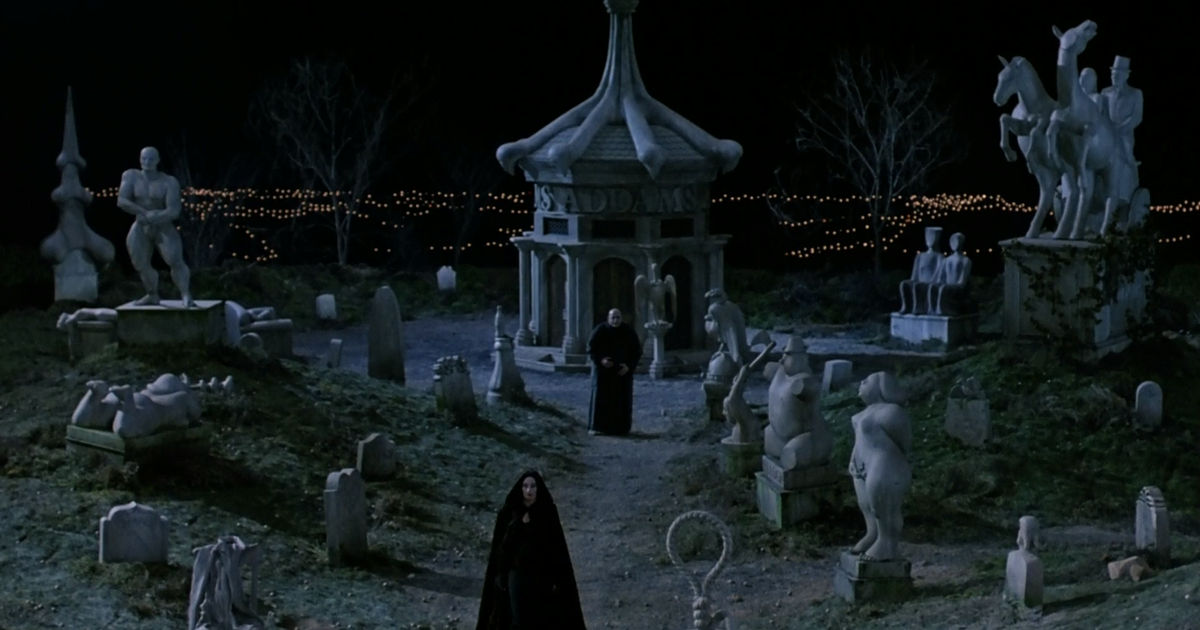 13 Nights of Halloween - 15 Reasons You Should Stay At The Addams Family Mansion - 1009