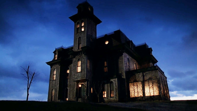 13 Nights of Halloween - 15 Reasons You Should Stay At The Addams Family Mansion - Thumb