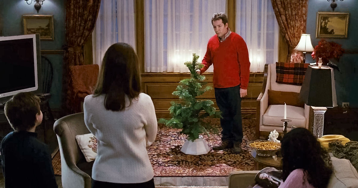 25 Days of Christmas - 11 Things We All Do At Christmas Without Really Knowing Why! - 1005