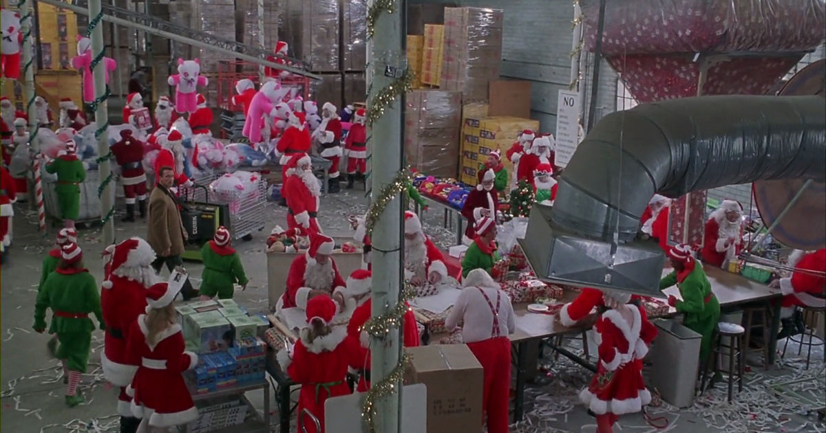 25 Days of Christmas - 15 Reasons Why Being A Christmas Elf Is The Best Job Ever - 1002
