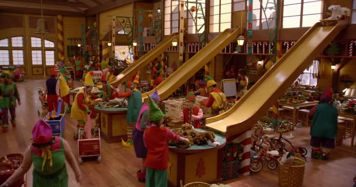 25 Days of Christmas - 15 Reasons Why Being A Christmas Elf Is The Best Job Ever! - 1010