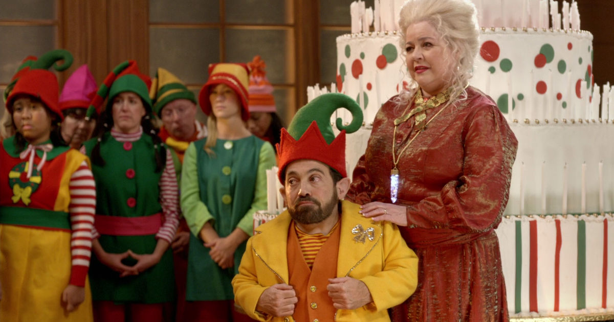 25 Days of Christmas - 15 Reasons Why Being A Christmas Elf Is The Best Job Ever - 1004