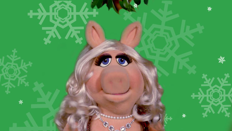 25 Days of Christmas - See What Happens When Miss Piggy Gets Caught Under The Mistletoe! - Thumb