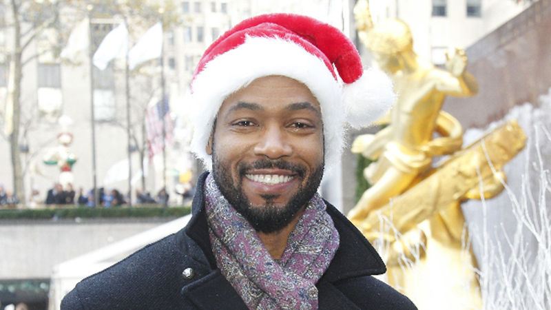 25 Days of Christmas - Shadowhunters' Isaiah Mustafa Has A Special Holiday Message For You! - Thumb