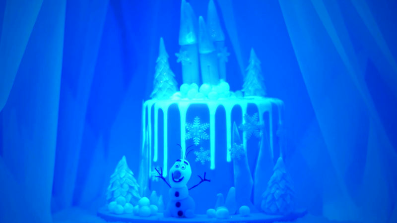 25 Days of Christmas - This Video Of A Frozen-Inspired Cake Glowing In The Dark Will Blow Your Mind! - Thumb