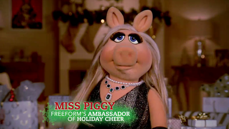 25 Days of Christmas - Watch Miss Piggy Introduce The 25 Days Of Christmas In Her Own Unique Style! - Thumb