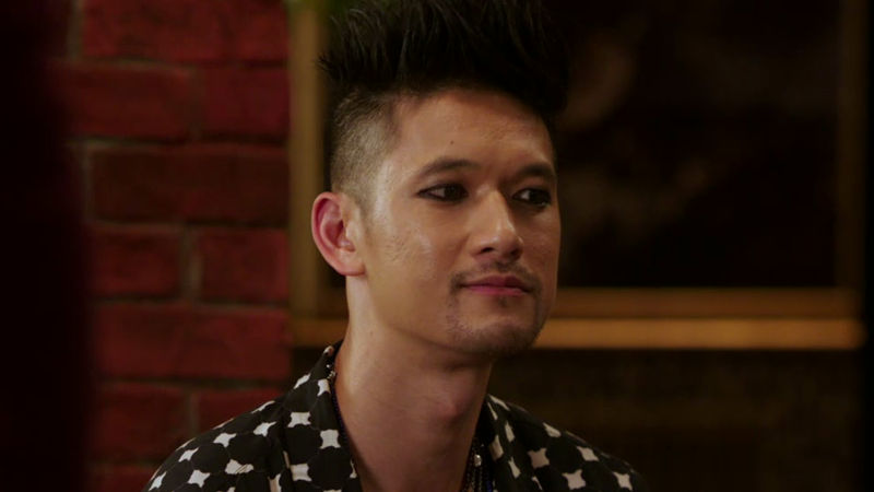 Shadowhunters - Shadowhunters Fans: Come Behind The Scenes Of Magnus' Lair In Season 2! - Thumb