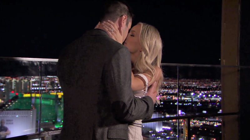 Ben & Lauren: Happily Ever After? - Check Out Ben and Lauren's Guide To Partying In Vegas! - Thumb