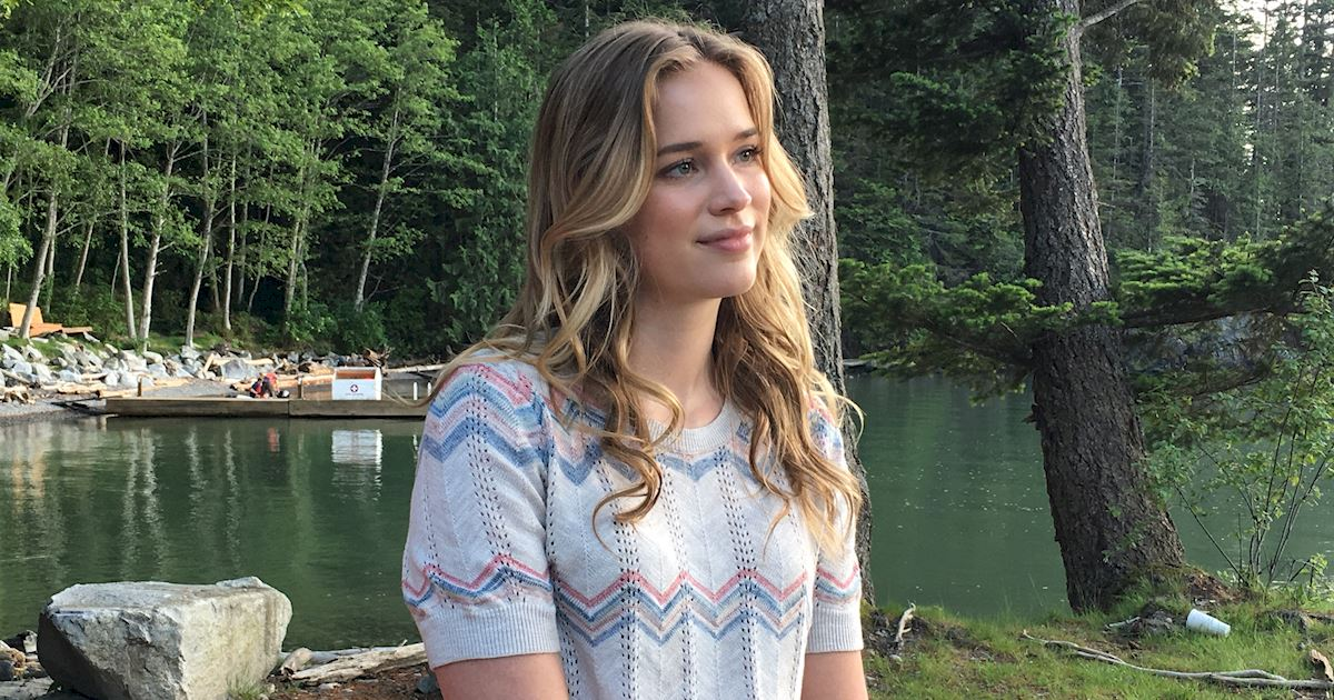 """Dead of Summer - 10 Signs That You're Already Obsessed With """"Dead Of Summer""""! - 1001"""