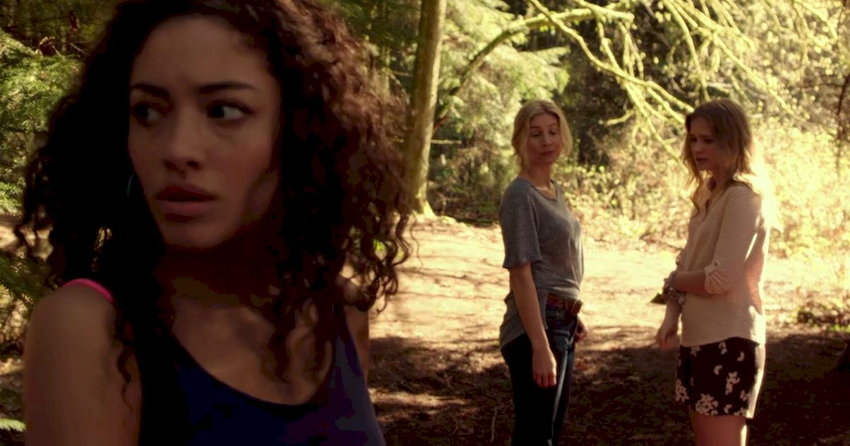 Dead of Summer - The 14 Rules Of Staying Alive In A Horror Movie - 1011