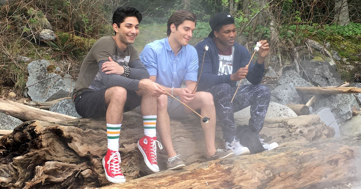 Dead of Summer - 8 Tips On Surviving Your First Day At Summer Camp From The Dead Of Summer Cast! - 1006