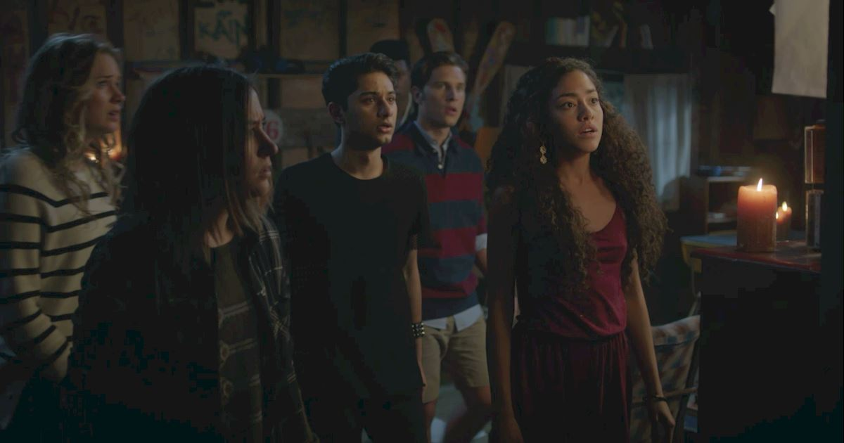 Dead of Summer - 36 Things You Will Not Believe We Learned On Dead Of Summer - 1023