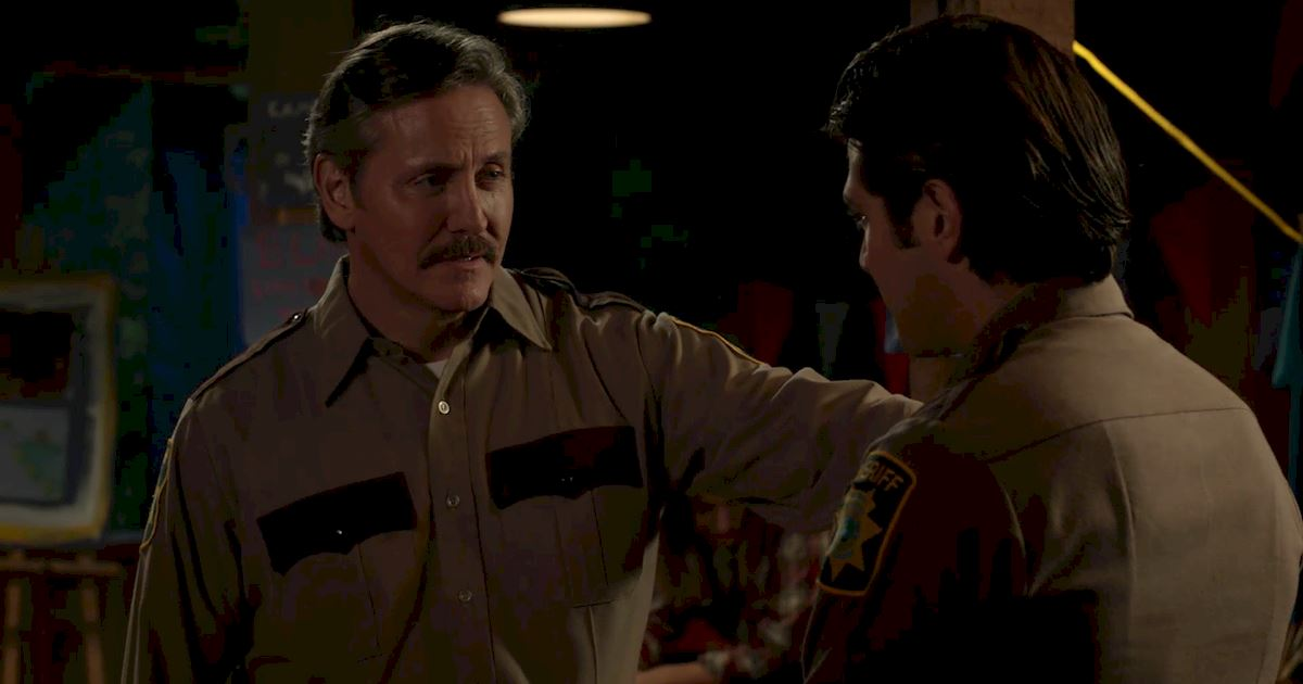 Dead of Summer - 14 Times Sheriff Heelan Had Us Totally Fooled On Dead Of Summer! - 1015