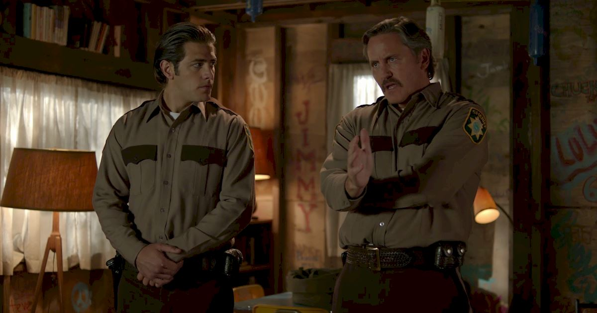 Dead of Summer - 14 Times Sheriff Heelan Had Us Totally Fooled On Dead Of Summer! - 1009