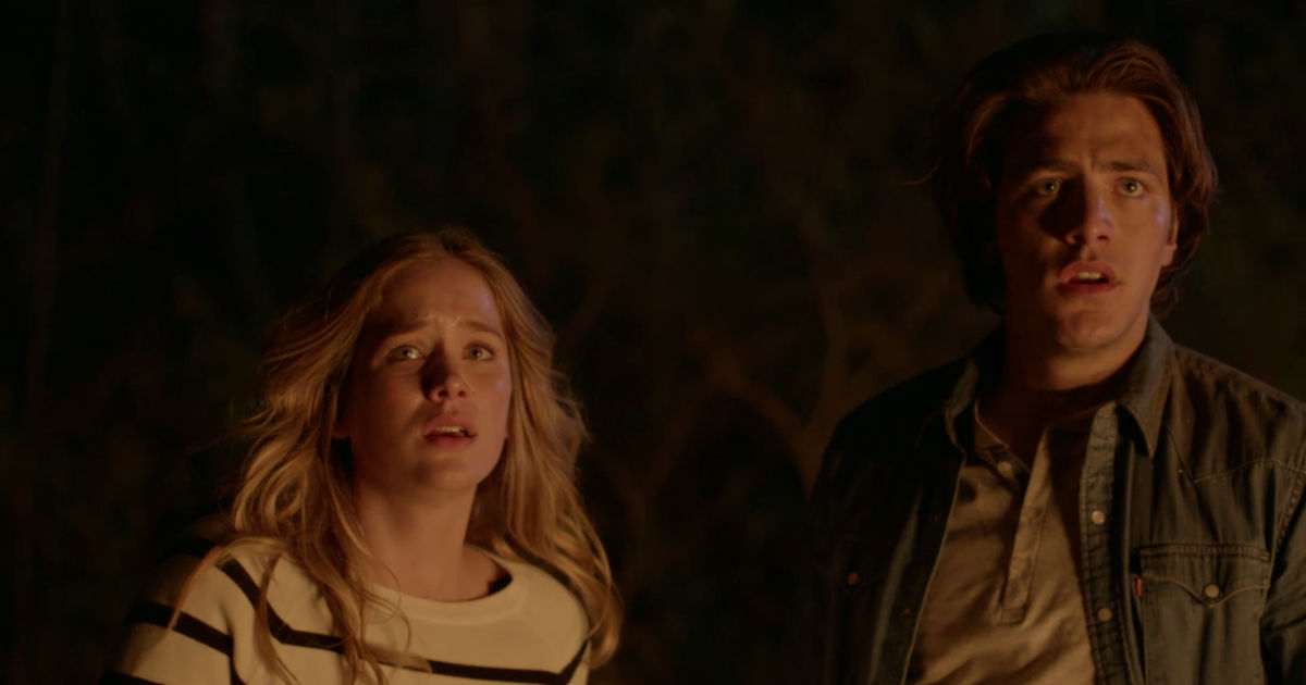 Dead of Summer - 5 Reasons You Should Stop What You're Doing And Binge-Watch Dead Of Summer Now! - 1003