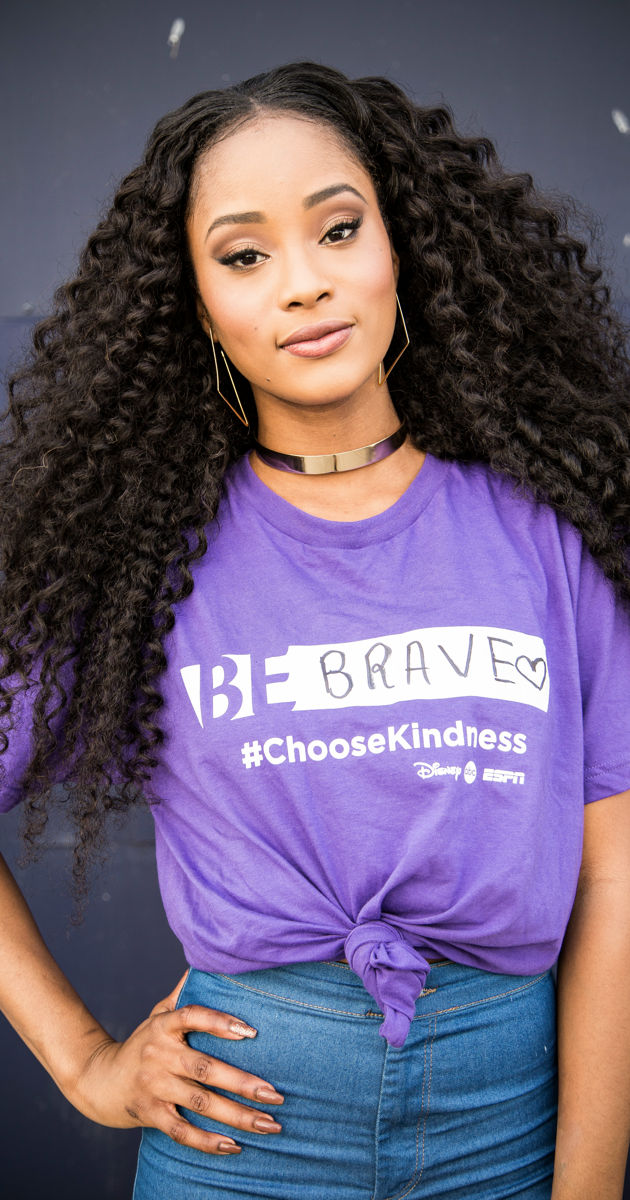 Famous in Love - Go Purple To Celebrate #SpiritDay With The Cast Of Famous In Love! - 1004