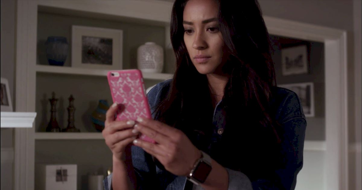 Pretty Little Liars - 17 Times The PLL Girls Were All Of Us Going Through A Break Up - 1008