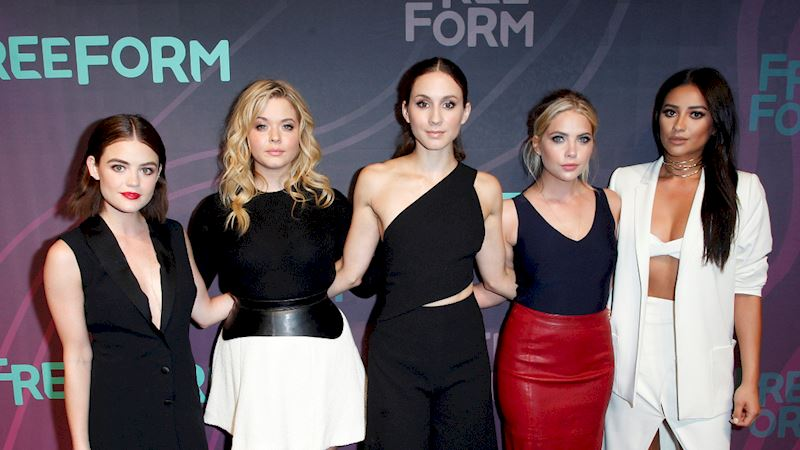 Pretty Little Liars - The Pretty Little Liars Cast Were Reunited At The Freeform Upfronts! - Thumb