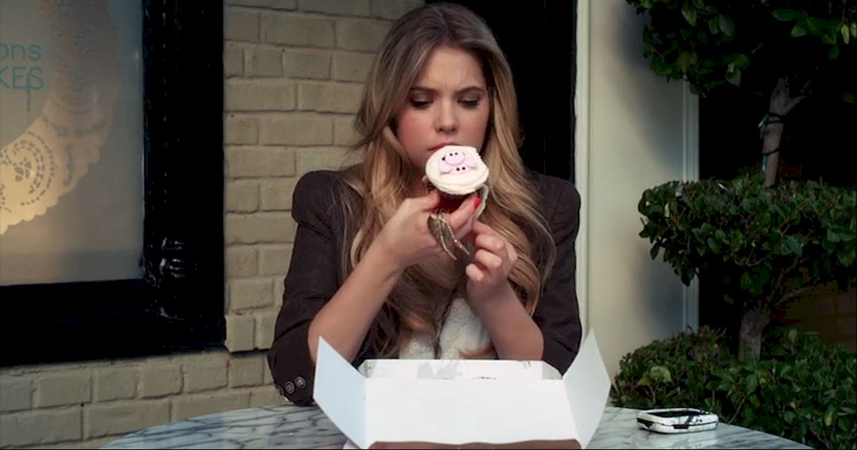 Pretty Little Liars - 17 Times The PLL Girls Were All Of Us Going Through A Break Up - 1003