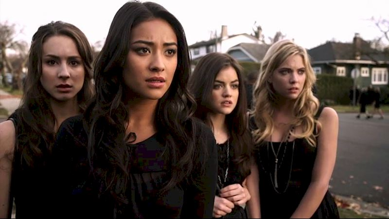 Pretty Little Liars - QUIZ: The ULTIMATE PLL Season 1 Trivia Quiz! - Thumb