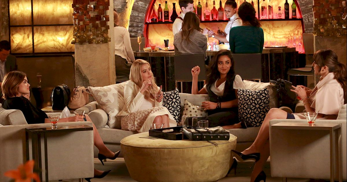 Pretty Little Liars - 20 Times Life In Rosewood Wasn't Entirely Terrifying - 1018