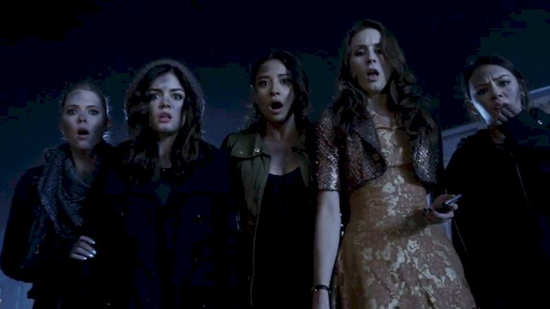Pretty Little Liars - 10 Times The PLL Girls Were Our Spirit Animals - Thumb