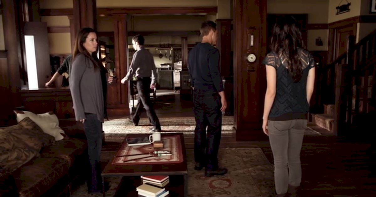 Pretty Little Liars - 12 Reasons Why Ezria Made Us Terrified Of Meeting The Parents - 1011