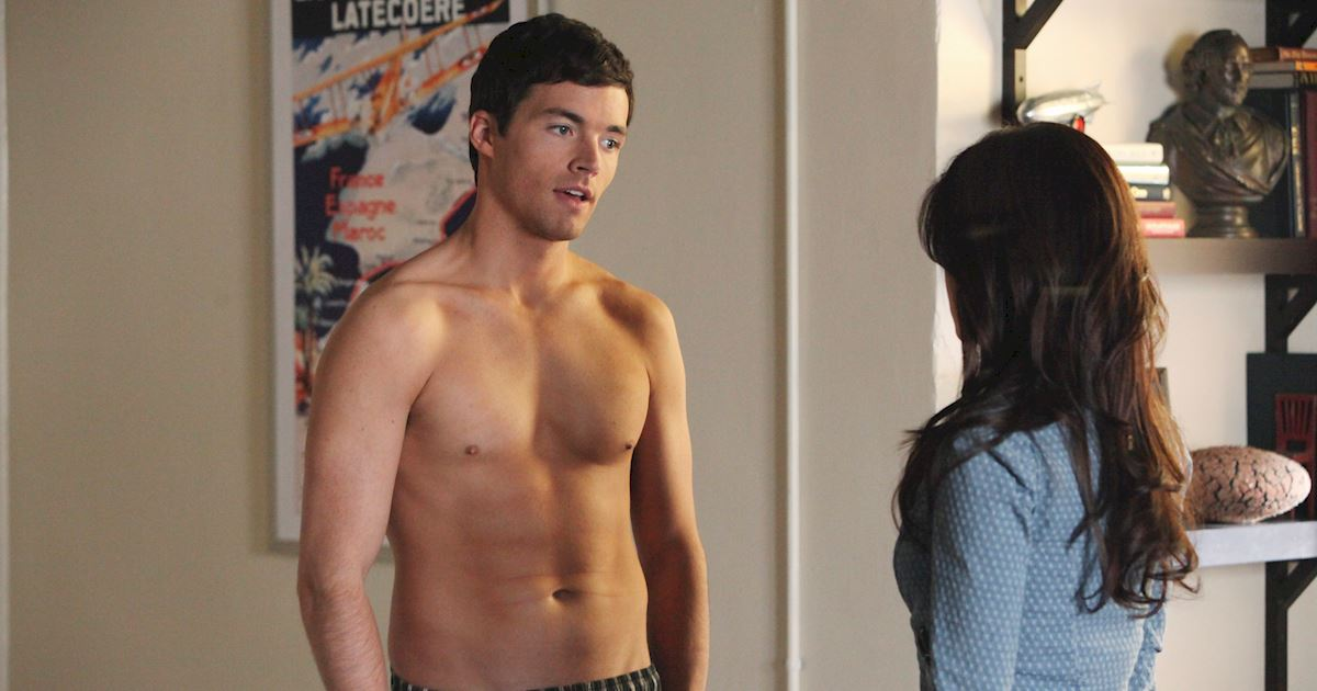 Pretty Little Liars - 18 Reasons Why The PLL Boys Would Be The Best BFs Ever! - 1004