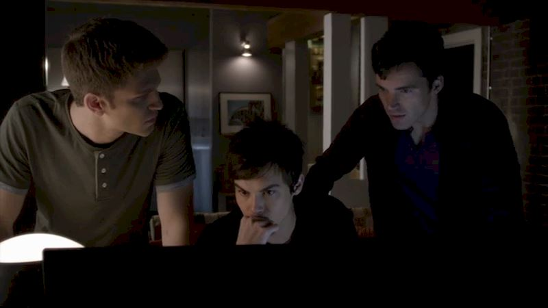 Pretty Little Liars - 18 Reasons Why The PLL Boys Would Be The Best BFs Ever! - Thumb