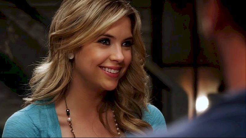 Pretty Little Liars - 10 Times Hanna Marin Was Your Favorite Girlfriend - Thumb