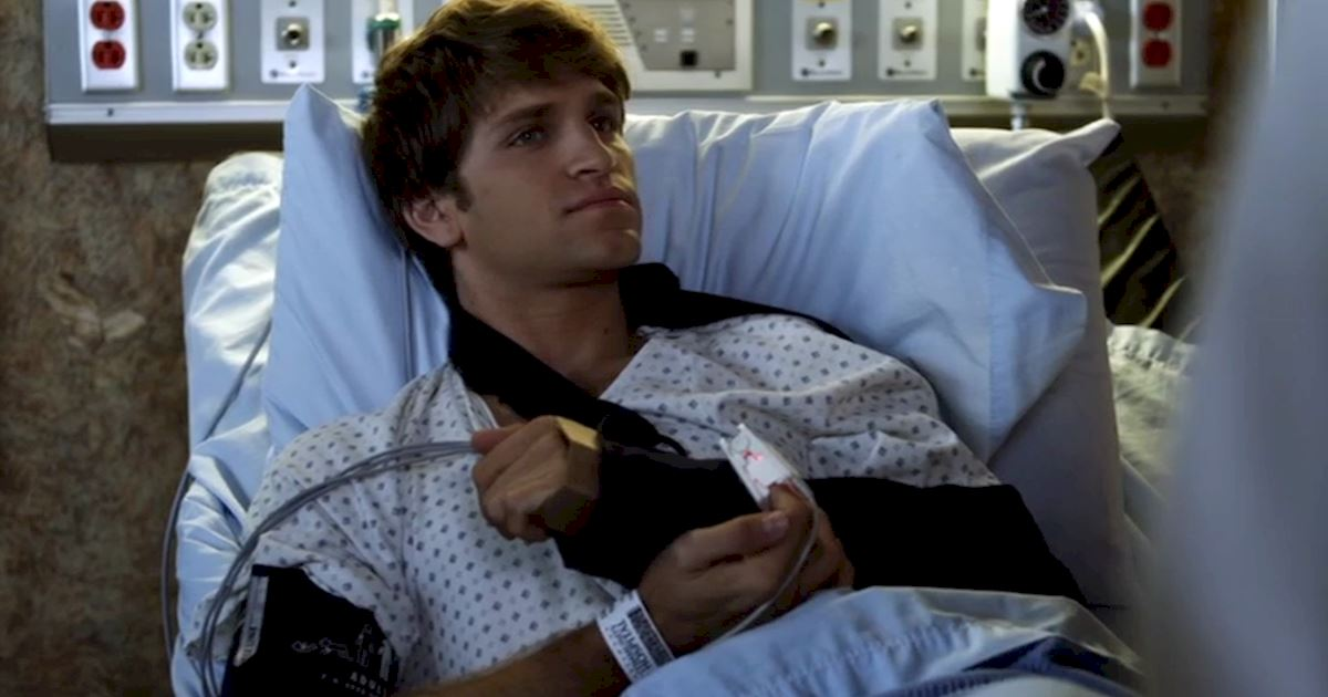 Pretty Little Liars - 23 Times Spencer Couldn't Catch A Break In Season Two! - 1017
