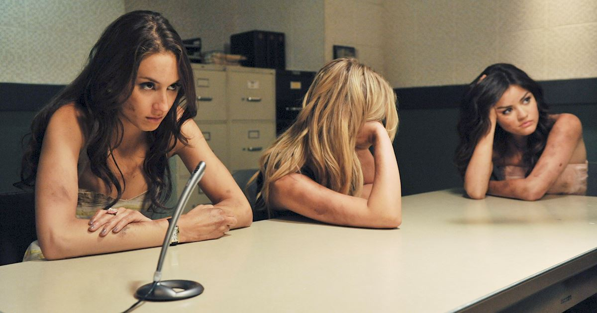 Pretty Little Liars - 23 Times Spencer Couldn't Catch A Break In Season Two! - 1014