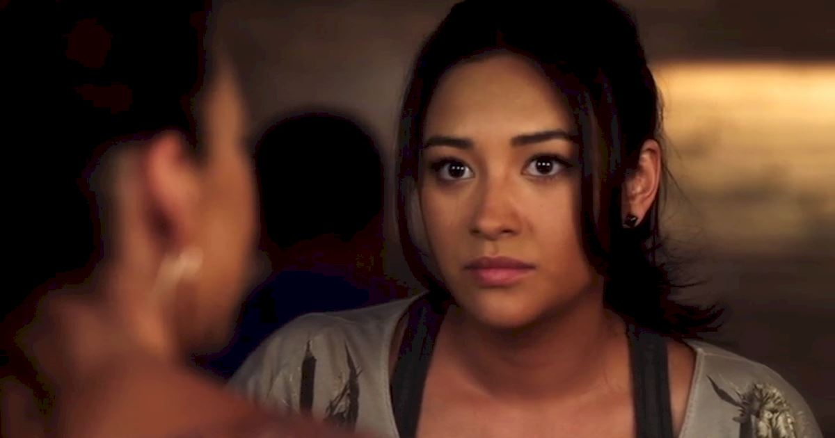 Pretty Little Liars - Could Life Have Gotten ANY Worse For Emily In Season 2? - 1015