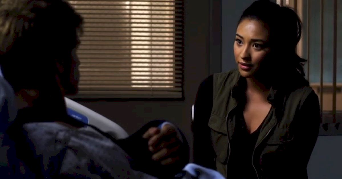 Pretty Little Liars - Could Life Have Gotten ANY Worse For Emily In Season 2? - 1014
