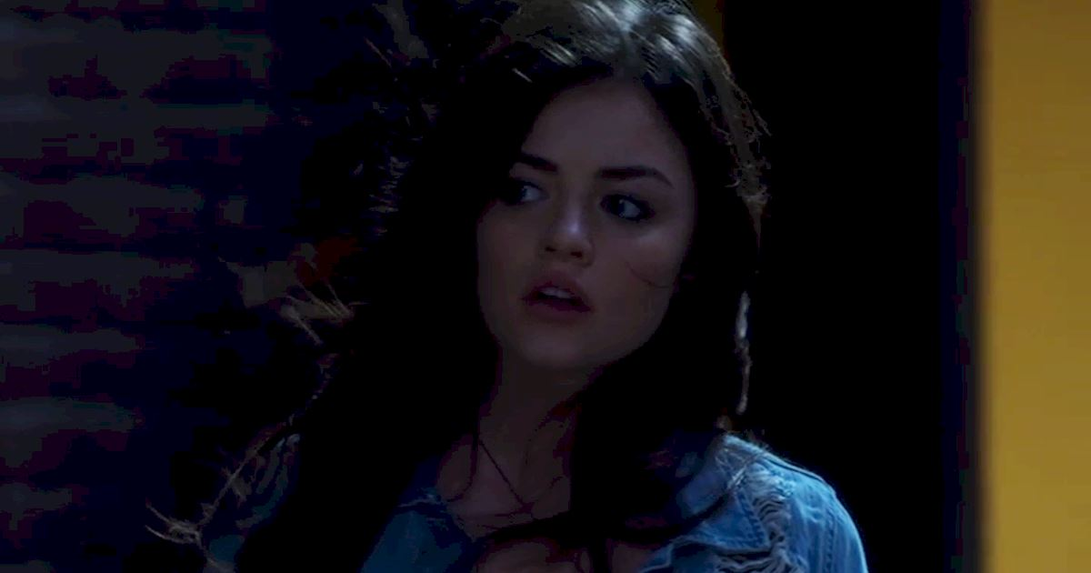 Pretty Little Liars - 14 Times We Wondered What The Hell Aria Was Doing In Season 2! - 1014
