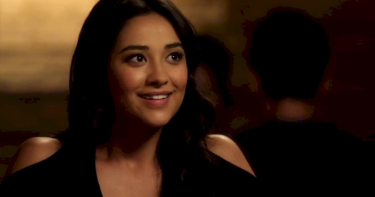 Pretty Little Liars - Could Life Have Gotten ANY Worse For Emily In Season 2? - 1010