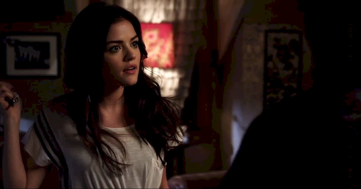 Pretty Little Liars - 14 Times We Wondered What The Hell Aria Was Doing In Season 2! - 1004