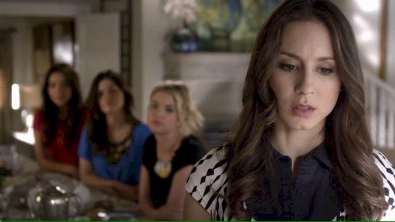 Pretty Little Liars - Will You Brave The Official Pretty Little Liars Season 3 Trivia Quiz? - Thumb