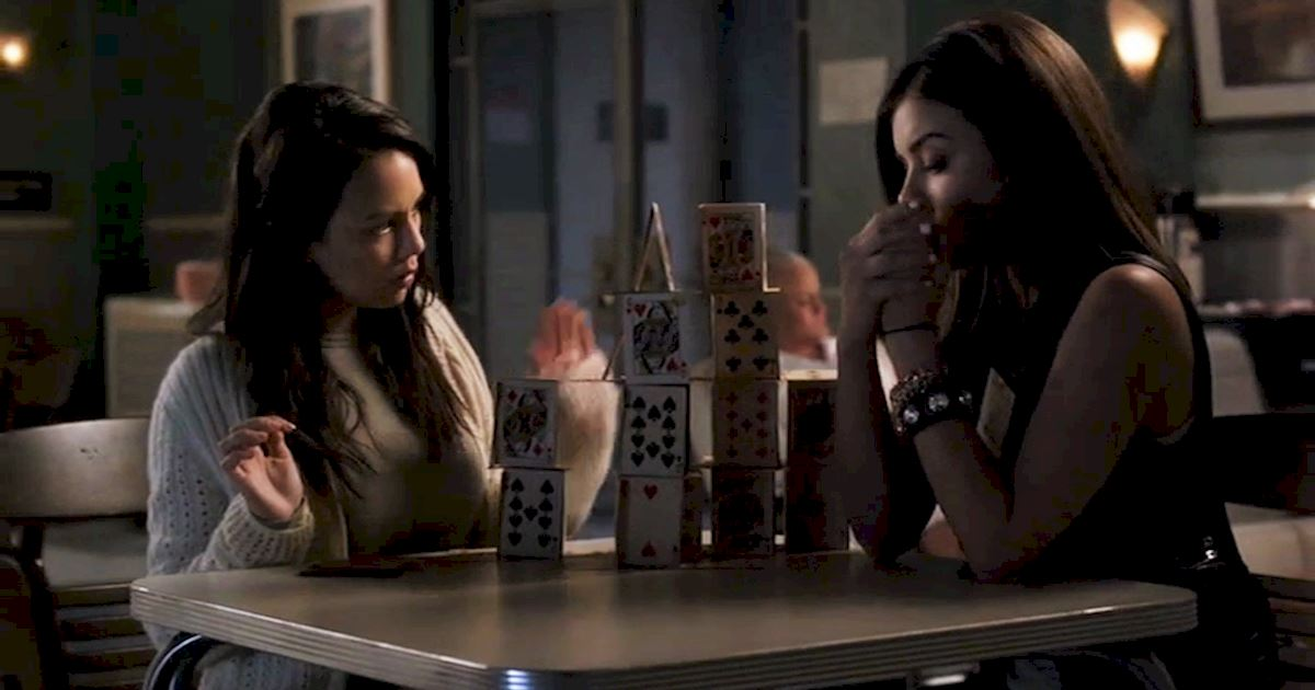 Pretty Little Liars - 12 Life Skills Mona Honed During Her Hiatus From Rosewood High! - 1010