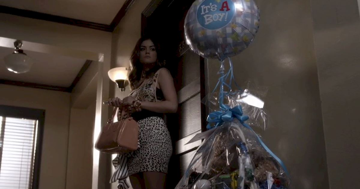 Pretty Little Liars - 22 Times Aria Totally Inspired Us When Her Life Was Falling Apart  - 1013