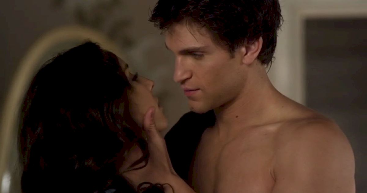 Pretty Little Liars - Spencer's Devastating Decline In Season 3! - 1001