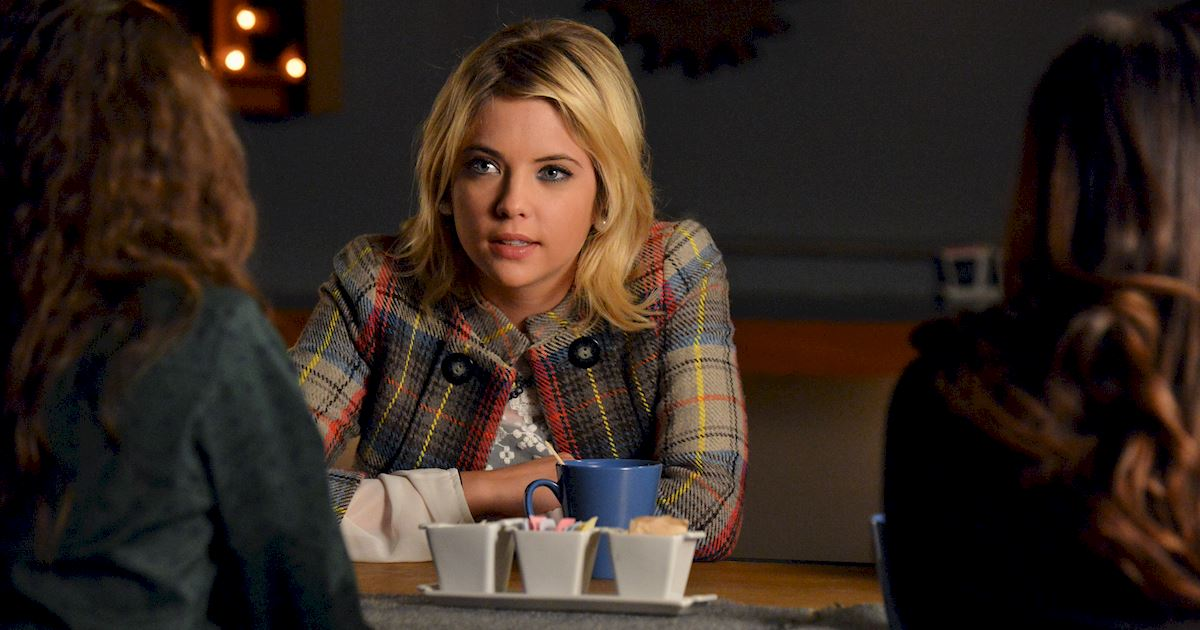 Pretty Little Liars - 10 Reasons We Want Hanna To Write Our Online Dating Profile - 1002