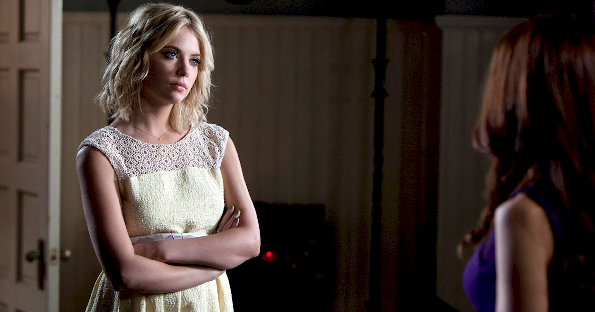 Pretty Little Liars - 10 Reasons We Want Hanna To Write Our Online Dating Profile - 1010