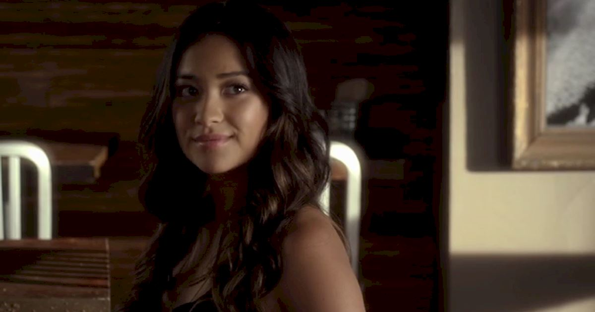 Pretty Little Liars - 12 Reasons Why We All Totally Crushed On Emily In Season 3 - 1005