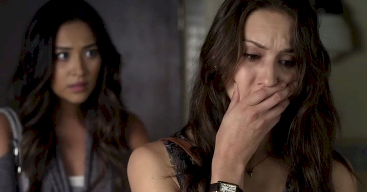 Pretty Little Liars - 12 Reasons Why We All Totally Crushed On Emily In Season 3 - 1011